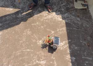 সৌরশক্তি দিয়ে চার্জ করা সুপারক্যাপাসিটর-চালিত ব্যাটারীহীন সাইকেল-রিক্সার model